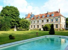 chateau for sale outside Paris