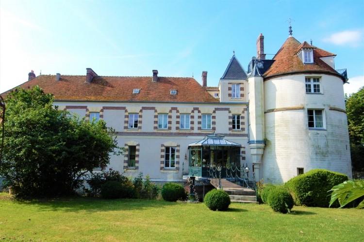 chateau for sale outside Paris