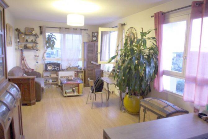For Sale: Apartment with Views in Quartier Saint-Blaise