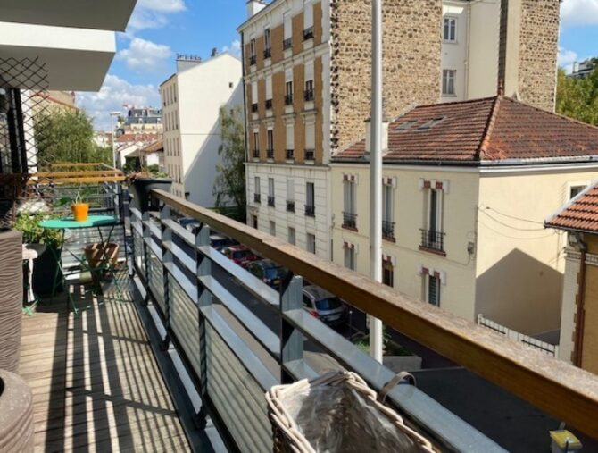 For Sale: 2-Bedroom Apartment in Issy-les-Moulineaux