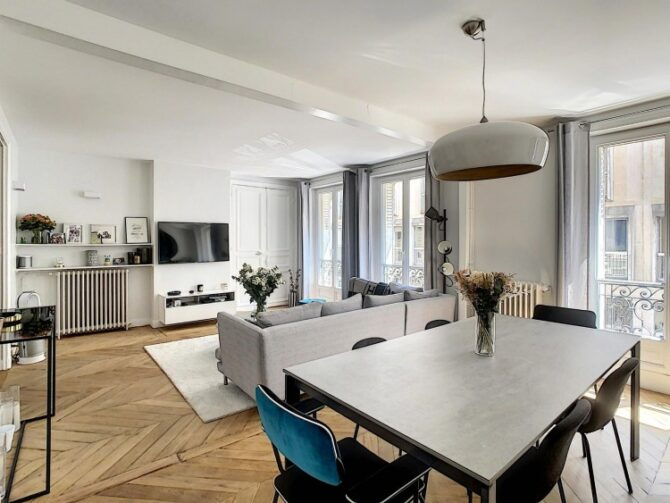 For Sale: Stylish Paris Apartment Near Porte Maillot