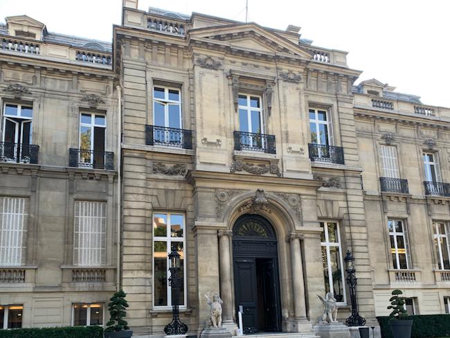 Ode to a Passionate Collector: Salomon de Rothschild's Wonder Room
