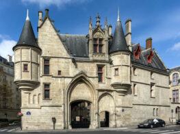 Hotel de Sens: An Exquisite Medieval Jewel in the ...
