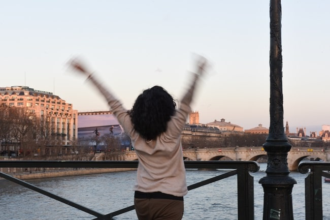 A last dance of freedom on the Pont des Arts