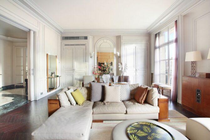 For Sale: Beautiful 3 Bedroom Apartment in Square Lamartine