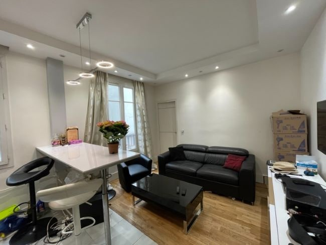 For Sale: Quaint One-Bedroom Apartment in the 18th