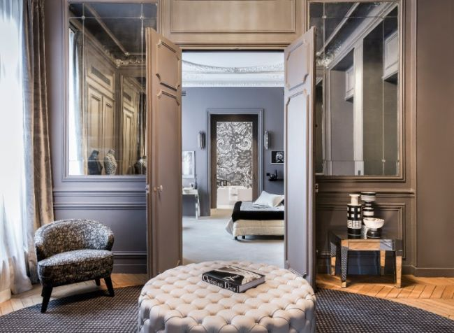 For Sale: Magnificent Flat in the Golden Triangle of Paris