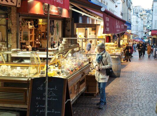 Returning to Paris, and to Rue Mouffetard...
