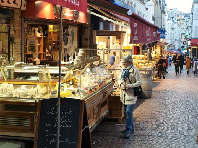Returning to Paris, and to Rue Mouffetard