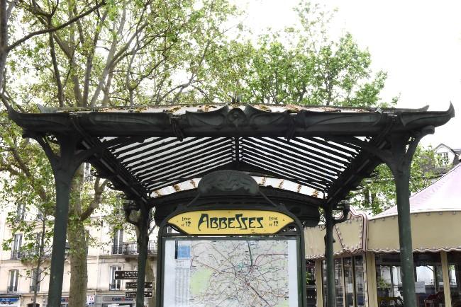 Metro Magic: Multifaceted Abbesses