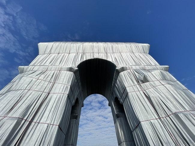 The Christo-Designed Wrap of the Arc de Triomphe: A Photo Journey