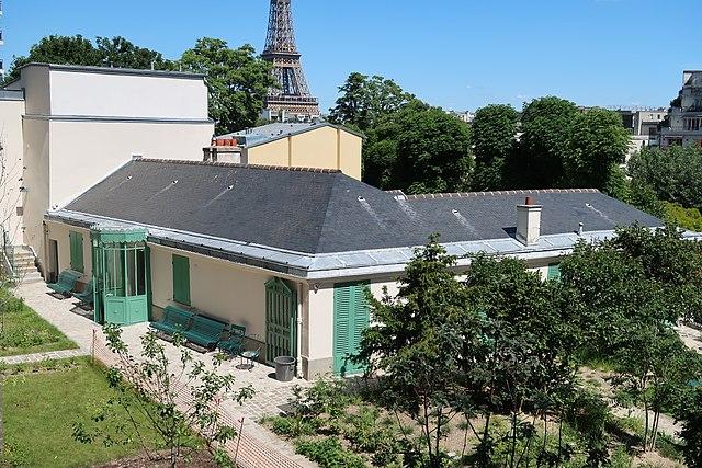 Explore la Maison de Balzac in the 16th Arrondissement
