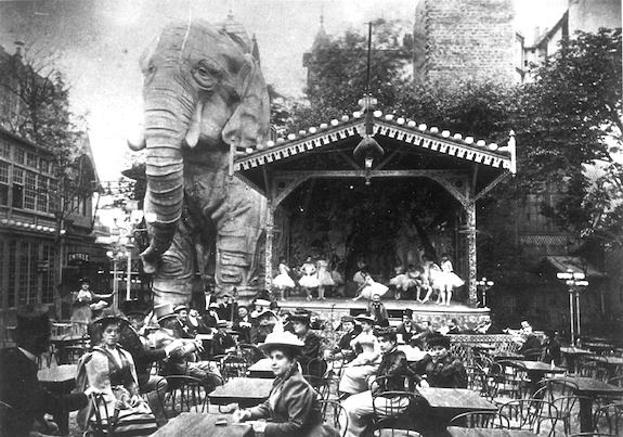 Moulin Rouge elephant. Public domaine photo.