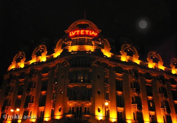Full moon over Hotel Lutetia. Photo: ©Mikki Ansin 2011