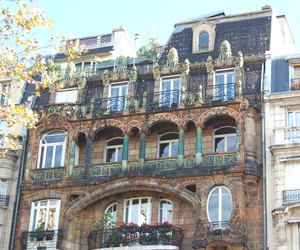 art deco building in paris. at the end of 19th century, a band iconoclasts burst upon parisian scene and set city aflame with their artistic vision. art deco building in paris t