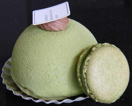 Sadaharu Aoki's matching green-tea macaron & Duomo