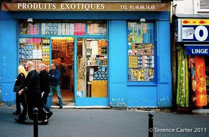 Montmartre village shop   Photo credit ©Terence Carter
