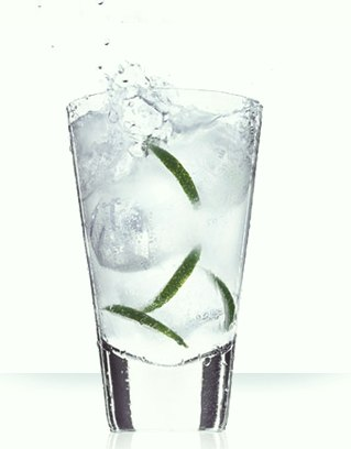 Cointreau bubbles cocktail ©Cointreau