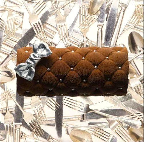 Bûche de noël by couture designer Alexis Mabille for Angelina. Photo courtesy Angelina.