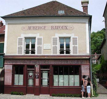 Auberge Ravoux. Photo: Yannbee, Wikimedia.