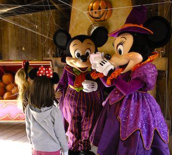 Mickey Mouse & Minnie Mouse. Photo: Disneyland Paris