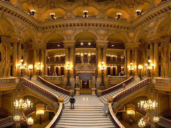 Opera Garnier Grand Staircase. Photo Credit: Benh Lieu Song, courtesy of Wikimedia Commons
