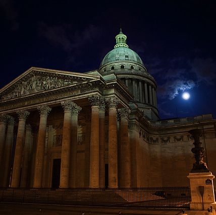 Pantheon at night © Stavros Markopoulos