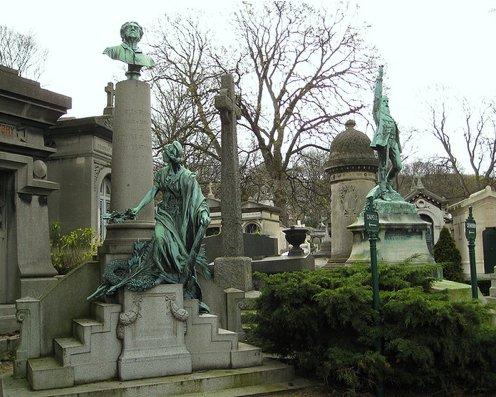 Pere lachaise plot funeral at cimetiere du pere lachaise - Cimetiere pere la chaise ...