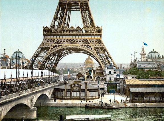 Eiffel Tower and buildings erected for the Exposition Universelle of 1900. Public domain image.