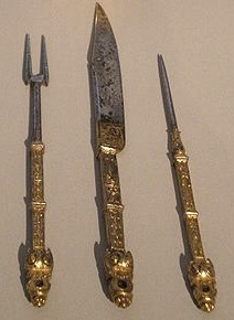 Personal French cutlery, circa 16th century ©David Jackson-WikiCommons