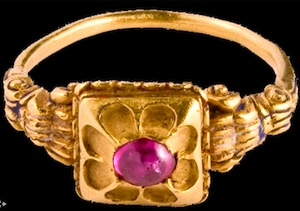 Mid-16th century gold & ruby ring, Italian Renaissance. Louvre Antiquaires.