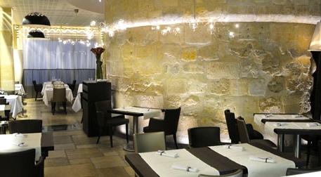 bar at Un Dimanche à Paris. ©Un Dimanche à Paris