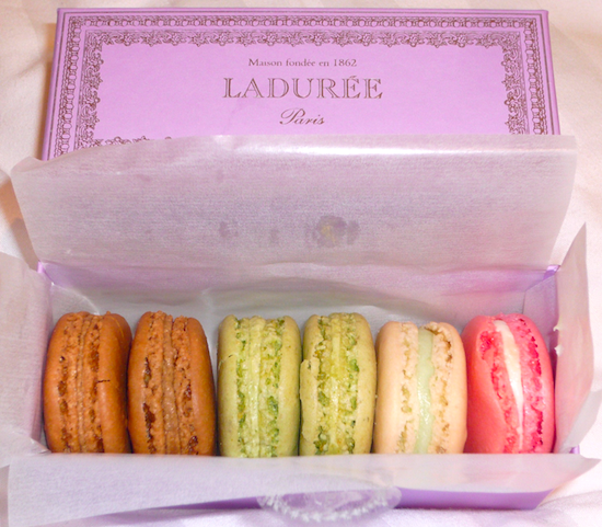 paris macarons by laduree pierre herme and gerard mulot. Black Bedroom Furniture Sets. Home Design Ideas