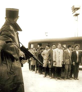 French soldiers gathering Jewish persons.  Public domaine photo.