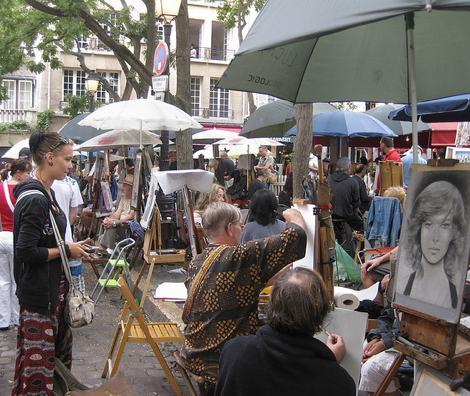 Place du Tertre in Montmartre in August ©bluebeart