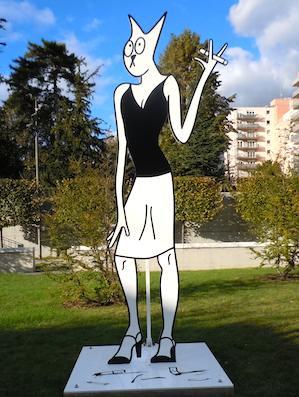 Alain Séchas, Les Grands Fumeurs, 2007, smoking statue at MAC-VAL.