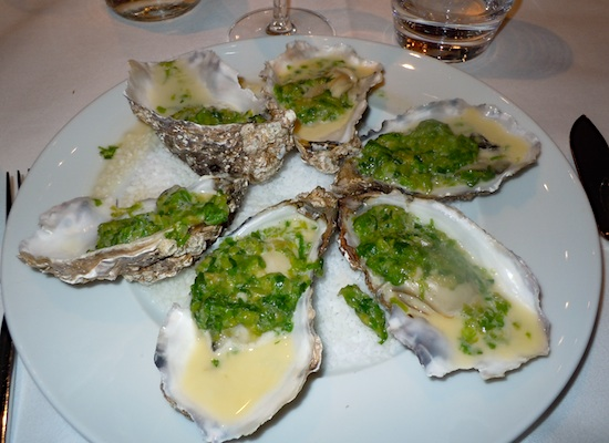 Oysters d'Arcachon at Maxan. Photo by M. Kemp.