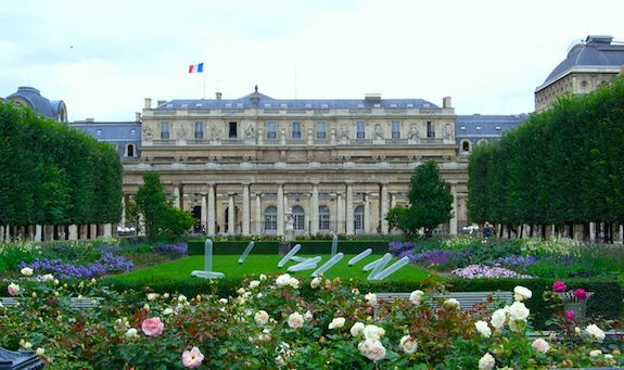 Royal Palais courtyard. Photo: Wikicommons