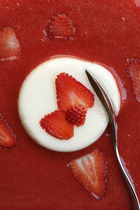 almond cream with strawberry coulis