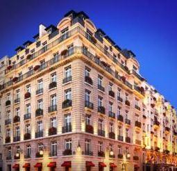 Hôtel le Bristol. Publicity photo.