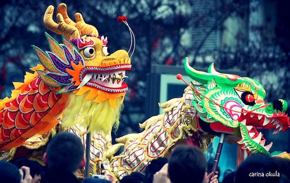 Dragon & Lion Dance at Chinese New Year parade Paris photos ©Carina Okula