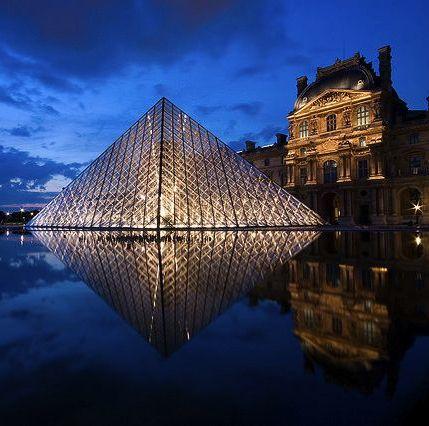 Louvre mirror © Etienne Boucher