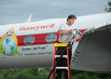 Honeywell biojet fueling     Photo courtesy of Honeywell