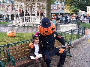Halloween, Disneyland Paris. Photo: coconutwireless/Flickr Creative Commons.